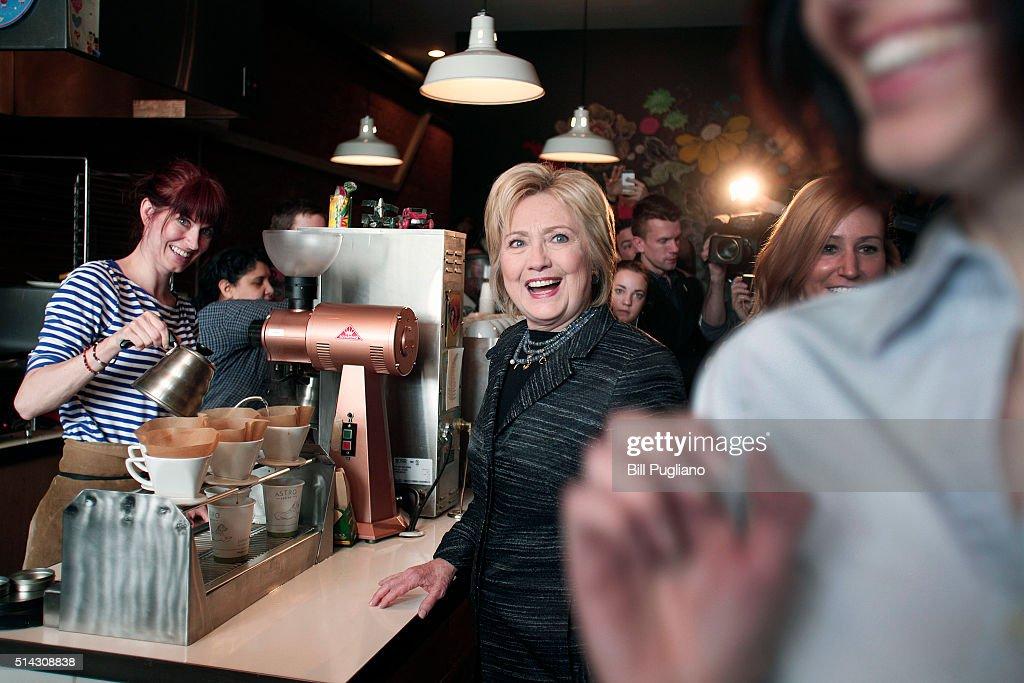 希拉里晒咖啡店 店员: 请删掉 - 纽约文摘 - 纽约文摘