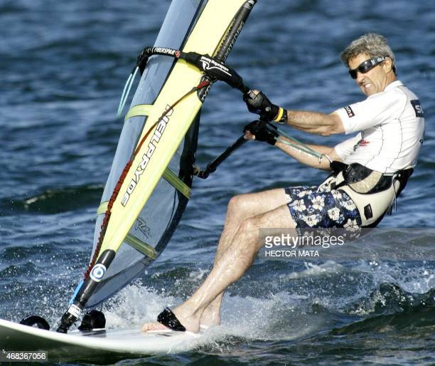 Democratic presidential candidate John Kerry windsurfs on the coast of Nantucket Massachusetts during a brake of his campaign 30 August 2004 US...