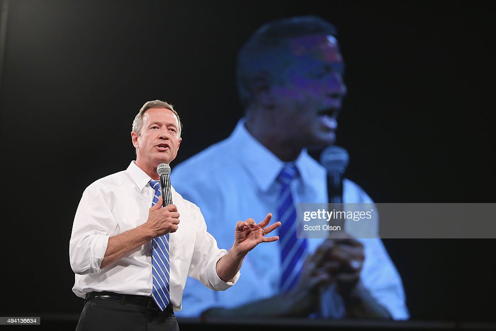 Democratic presidential candidate <a gi-track='captionPersonalityLinkClicked' href=/galleries/search?phrase=Martin+O%27Malley&family=editorial&specificpeople=653318 ng-click='$event.stopPropagation()'>Martin O'Malley</a> speaks to guests at the Jefferson-Jackson Dinner on October 24, 2015 in Des Moines, Iowa. The dinner is a major fundraiser for Iowa's Democratic Party.