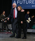 Democratic presidential candidate Sen Bernie Sanders and his wife Jane O'Meara Sanders walk off the stage together during a Future to Believe in...