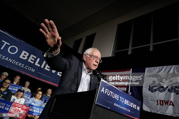 Democratic presidential candidate Sen Bernie Sanders holds a town hall meeting at the Music Man Square on January 27 2016 in Mason City Iowa Sanders...