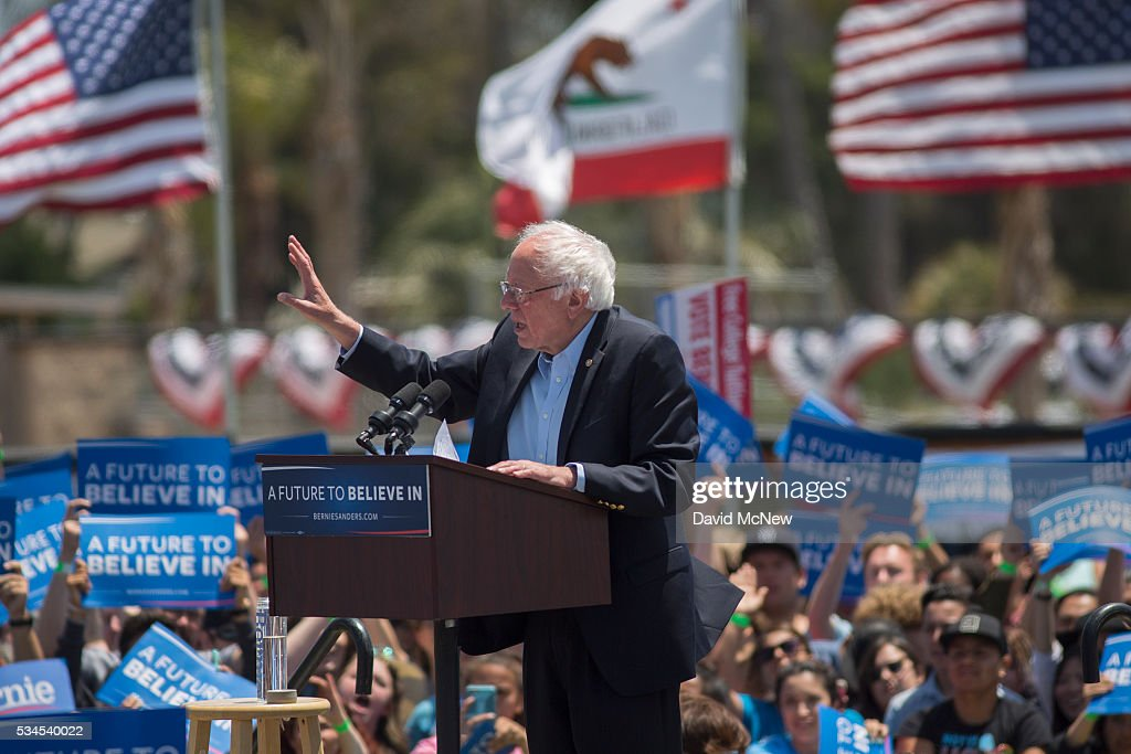 Democratic presidential candidate, Sen. Bernie Sanders (D-VT) speaks at a campaign rally at VenturaÊCollege on May 26, 2016 in Ventura, California. The California primary is June 7.