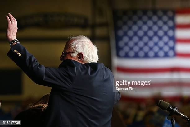 Democratic presidential candidate Sen Bernie Sanders speaks to supporters after winning the Vermont primary on Super Tuesday on March 1 2016 in Essex...