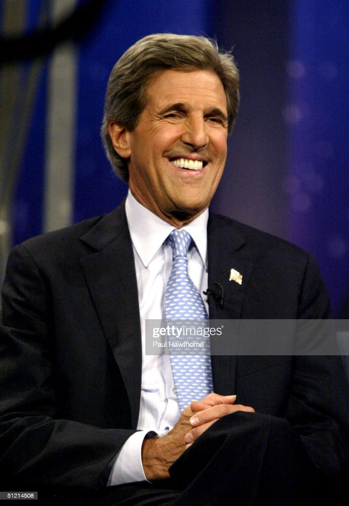 Democratic presidential candidate U.S. Senator <a gi-track='captionPersonalityLinkClicked' href=/galleries/search?phrase=John+Kerry&family=editorial&specificpeople=154885 ng-click='$event.stopPropagation()'>John Kerry</a> (D-MA) visits 'The Daily Show with Jon Stewart' August 24, 2004 in New York City.
