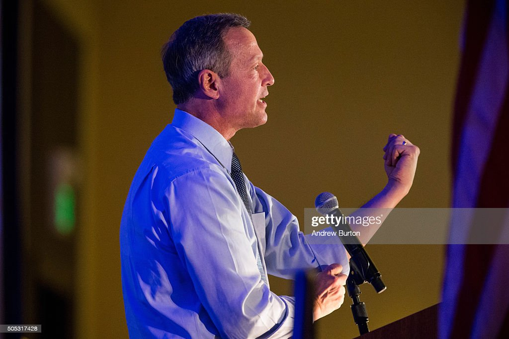 Democratic presidential hopeful <a gi-track='captionPersonalityLinkClicked' href=/galleries/search?phrase=Martin+O%27Malley&family=editorial&specificpeople=653318 ng-click='$event.stopPropagation()'>Martin O'Malley</a> speaks at the 'First in the South' Dinner on January 16, 2016 in Charleston, South Carolina. O'Malley is in town campaigning before tomorrow night's democratic presidential debate.