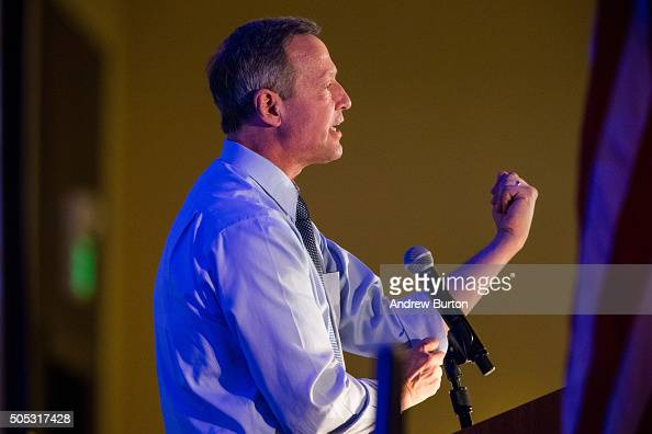 Democratic presidential hopeful Martin O'Malley speaks at the 'First in the South' Dinner on January 16 2016 in Charleston South Carolina O'Malley is...