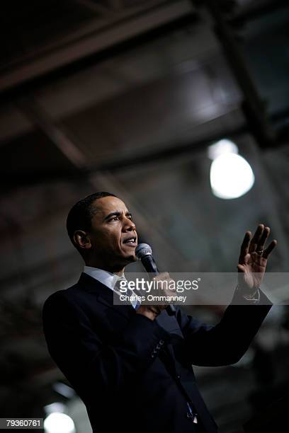 Democratic presidential hopeful Sen Barack Obama DIll speaks at a rally January 6th 2008 in Derry NH