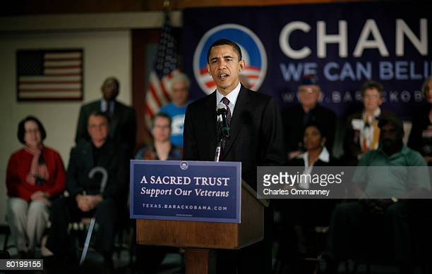 Democratic presidential hopeful Sen Barack Obama DIll talks with veterans during a campaign stop at the American Legion Post 490 on February 29 in...