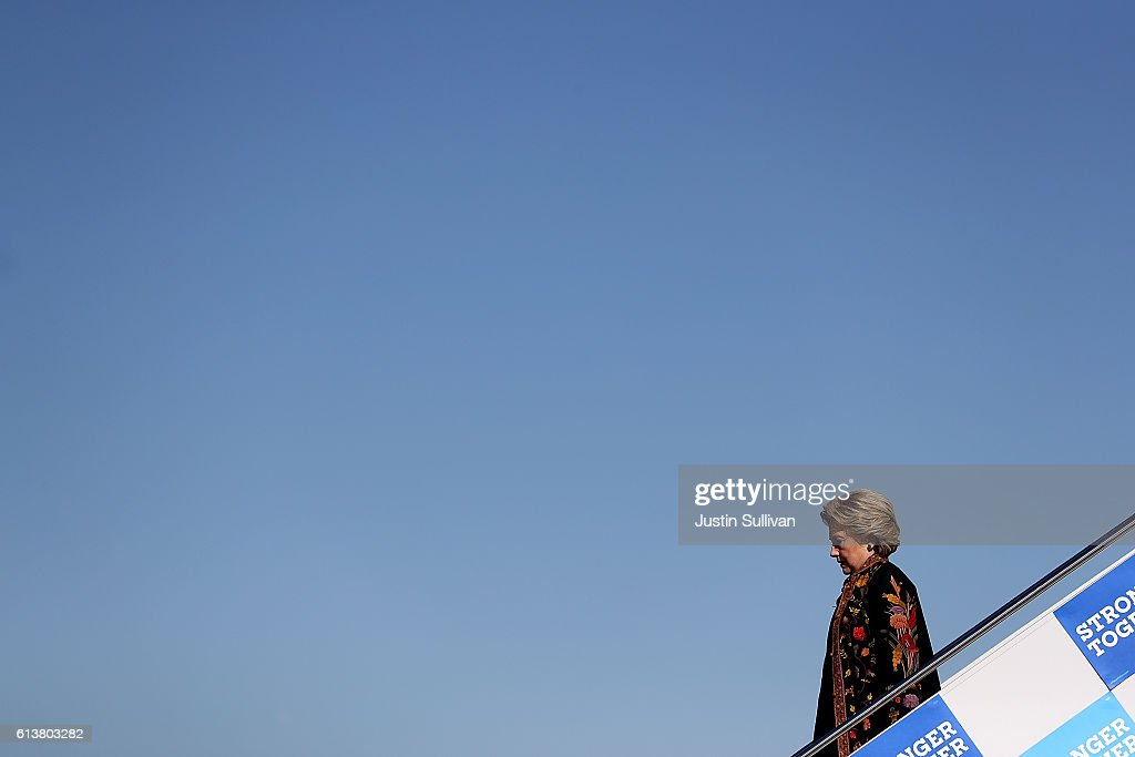 Democratic presidential nominee former Secretary of State Hillary Clinton arrives at Detroit Metropolitan Wayne County Airport on October 10 2016 in...