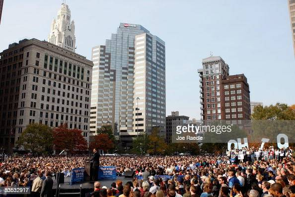 Democratic presidential nominee US Sen Barack Obama speaks during a campaign rally at Ohio State House November 2 2008 in Columbus Ohio Obama...