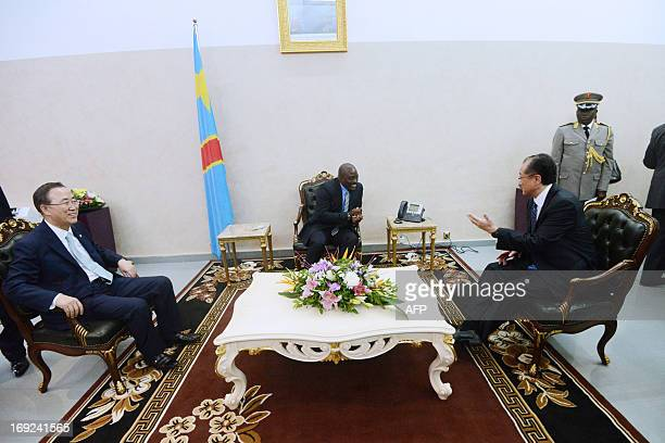Democratic Republic of Congo President Joseph Kabila speaks with UN secretary general Ban KiMoon and World Bank President Jim Yong Kim at the Nation...
