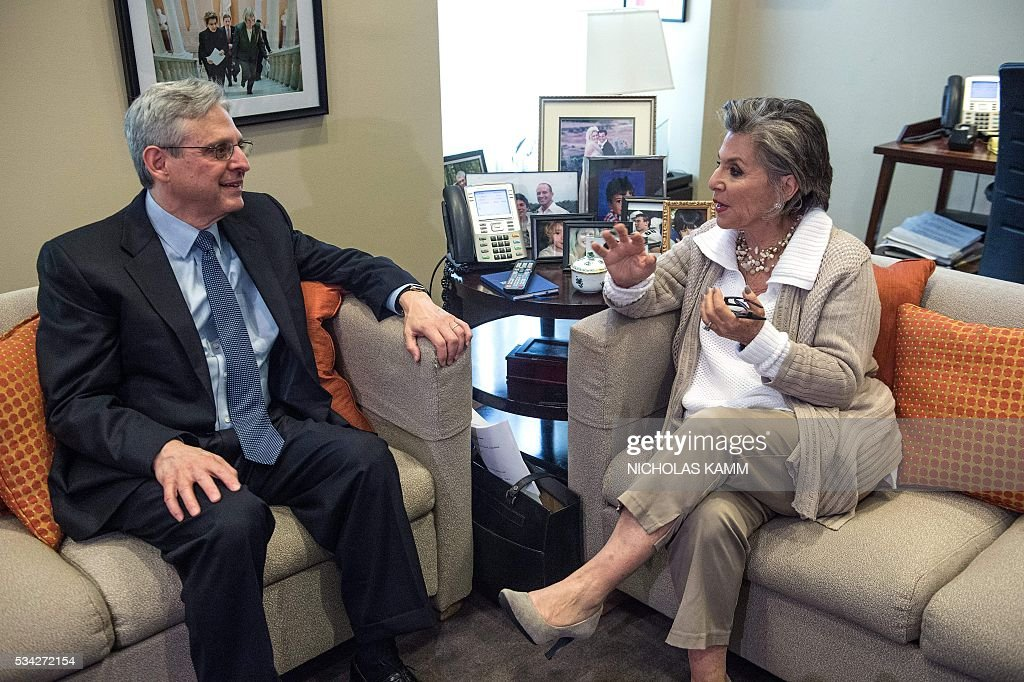 US Democratic Senator from California Barbara Boxer (R) meets with Supreme Court nominee Merrick Garland on Capitol Hill in Washington, DC, on May 25, 2016. / AFP / Nicholas Kamm