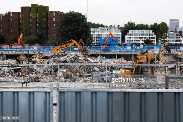 Demolition work takes place at the Nine Elms Square construction site in London UK on Tuesday Aug 22 2017 BillionaireWang JianlinsDalian Wanda...