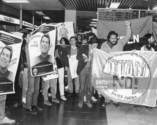 A demonstration at Madrid airport to protest against a twoday visit by US president Ronald Reagan May 1985 The 'OTAN No' banner expresses disapproval...