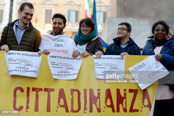 Demonstration in front of the Chamber of Deputies on the occasion of the World Day of Children's Rights to ask for the approval of the law on Ius...