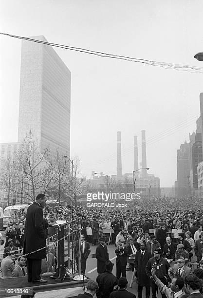 Demonstration In The United States Against American Intervention In Vietnam EtatsUnis New York 17 avril 1967 une manifestation est organisée par le...