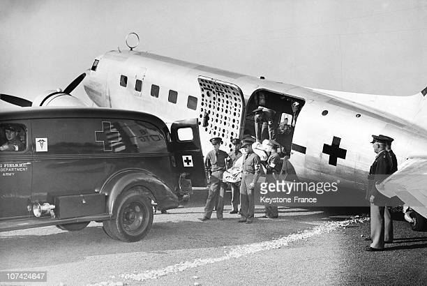 Demonstration Of A Patients Transfert From A Flying Ambulance To An Ambulance At Washington Dc In Usa