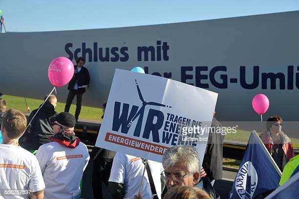 Demonstration unter dem Motto Wir tragen die Energiewende für das ErneuerbareEnergienGesetz in Berlin