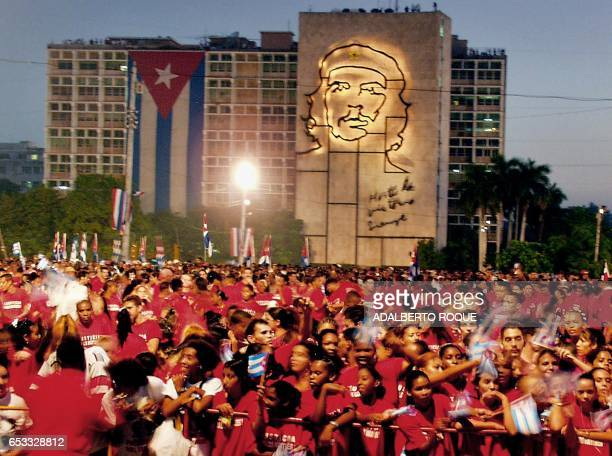 Demonstrators are seen paying commemorating the 25th anniversary of the fall of a cuban airplane by terrorists in La Habana Cuba 06 October 2001...