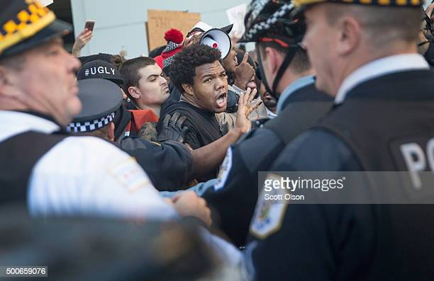 Demonstrators clash with police on December 9 2015 in Chicago Illinois About 1000 protestors calling for the resignation of Chicago Mayor Rahm...