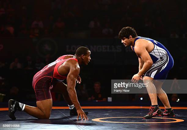 Den Cox of the United States wrestles Pawan Kumar of India during the 2016 United World Wrestling World Cup at The Forum on June 11 2016 in Inglewood...