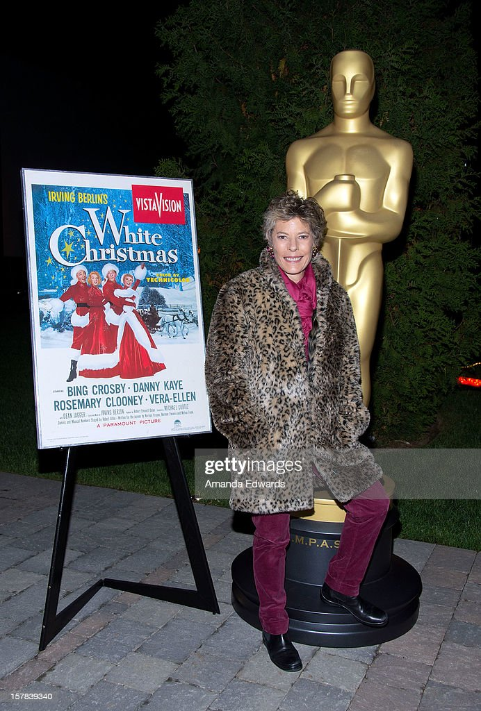 Dena Kaye arrives at the Academy of Motion Picture Arts and Sciences' Oscars outdoors screening of 'White Christmas' on December 6, 2012 in Hollywood, California.