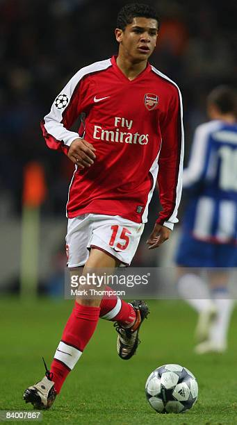 Denilson of Arsenal runs with the ball during the UEFA Champions League group A match between FC Porto and Arsenal at the Estadio Do Dragao Stadium...