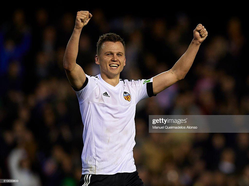 Denis Cheryshev of Valencia celebrates scoring his team's second goal during the La Liga match between Valencia CF and RCD Espanyol at Estadi de...