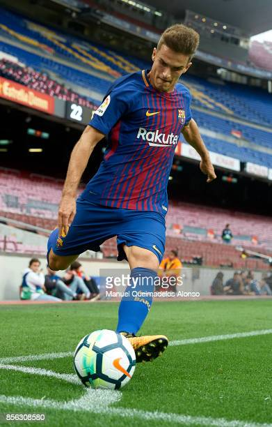 Denis Suarez of Barcelona in action during the La Liga match between Barcelona and Las Palmas at Camp Nou on October 1 2017 in Barcelona Spain