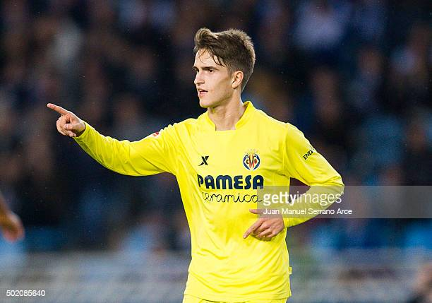Denis Suarez of Villarreal CF celebrates after scoring during the La Liga match between Real Sociedad de Futbol and Villarreal CF at Estadio Anoeta...