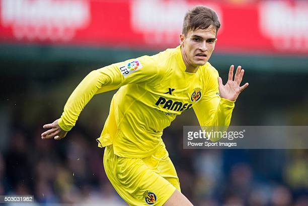 Denis Suarez of Villarreal CF in action during the Villarreal CF vs Valencia CF as part of the Liga BBVA 20152016 at El Madrigal on December 31 2015...