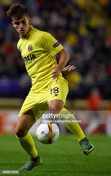 Denis Suarez of Villarreal in action during the UEFA Europa League Group K match between Villarreal CF and FC Dinamo Minks at El Madrigal Stadium on...