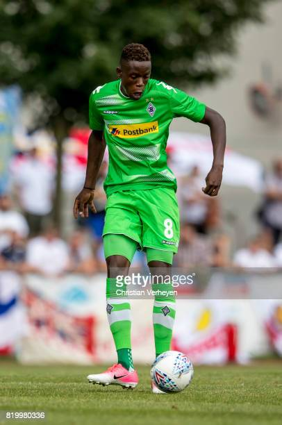 Denis Zakaria of Borussia Moenchengladbach controls the ball during a friendly match between Borussia Moenchengladbach and Leeds United at...