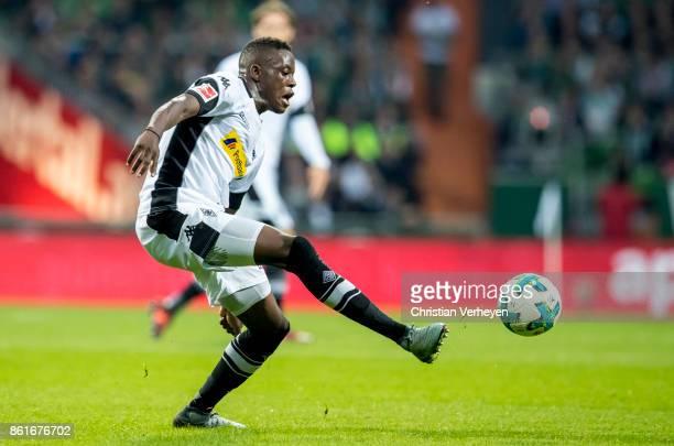 Denis Zakaria of Borussia Moenchengladbach during the Bundesliga match bewtween Werder Bremen and Borussia Moenchengladbach at Weserstadion on...