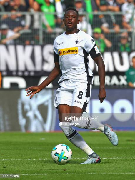 Denis Zakaria of Moenchengladbach controls the ball during the Bundesliga match between Borussia Moenchengladbach and Eintracht Frankfurt at...