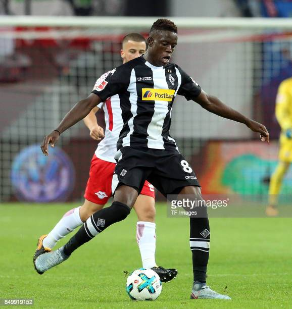 Denis Zakaria of Moenchengladbach controls the ball during the Bundesliga match between RB Leipzig and Borussia Moenchengladbach at Red Bull Arena on...