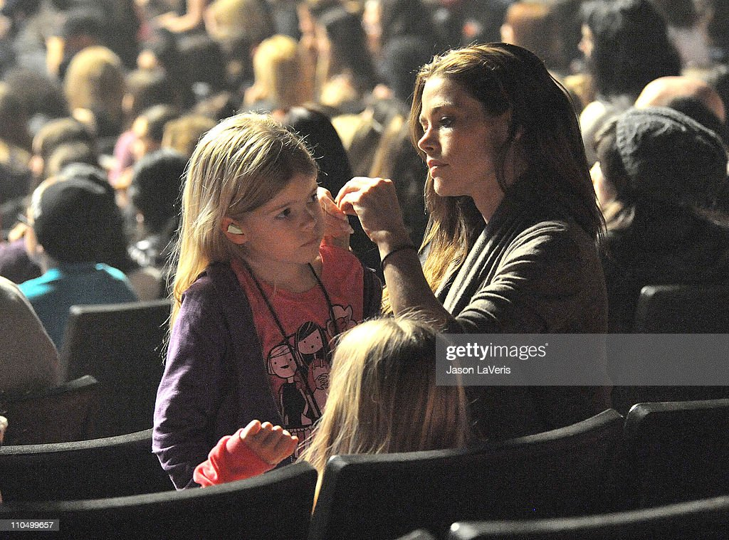 Denise Richards and daughters Sam Sheen and Lola Sheen attend the 2011 Concert For Hope at Gibson Amphitheatre on March 20, 2011 in Universal City, California.