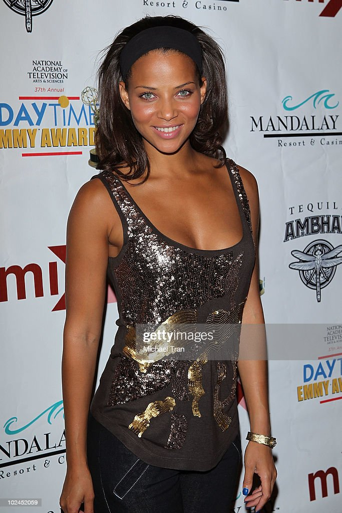 <a gi-track='captionPersonalityLinkClicked' href=/galleries/search?phrase=Denise+Vasi&family=editorial&specificpeople=622026 ng-click='$event.stopPropagation()'>Denise Vasi</a> arrives to the 2010 Daytime Emmy Awards Official Pre-Party held at miX Lounge - THEhotel at Mandalay Bay on June 26, 2010 in Las Vegas, Nevada.