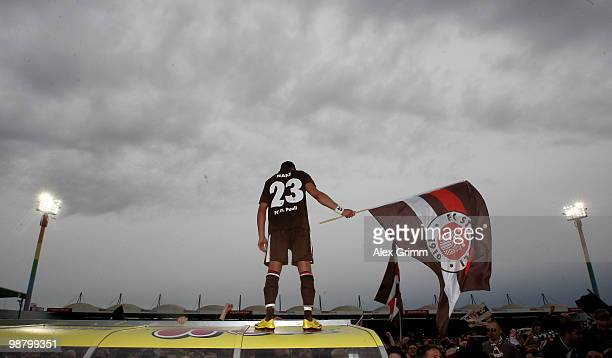 Deniz Naki of St Pauli celebrates after winning the Second Bundesliga match between SpVgg Greuther Fuerth and FC St Pauli at the Playmobil Stadium on...