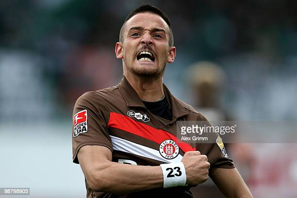 Deniz Naki of St Pauli celebrates his team's first goal during the Second Bundesliga match between SpVgg Greuther Fuerth and FC St Pauli at the...