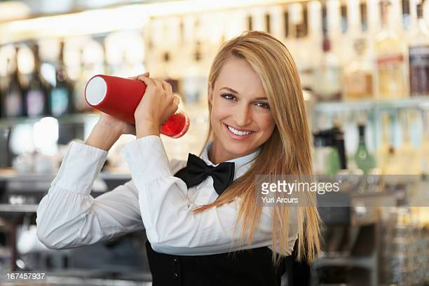 dating female bartender What do you think about dating a girl bartender (girlfriend, women i have found that most female bartenders actually act and think like guys moreso.
