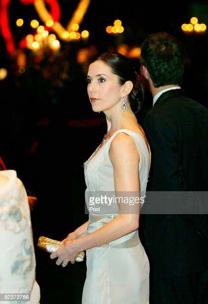Denmark's Australianborn Crown Princess Mary arrives at The Chocolate Lovers' Ball at Wrest Point Casino in Mary's hometown on March 11 2005 in...