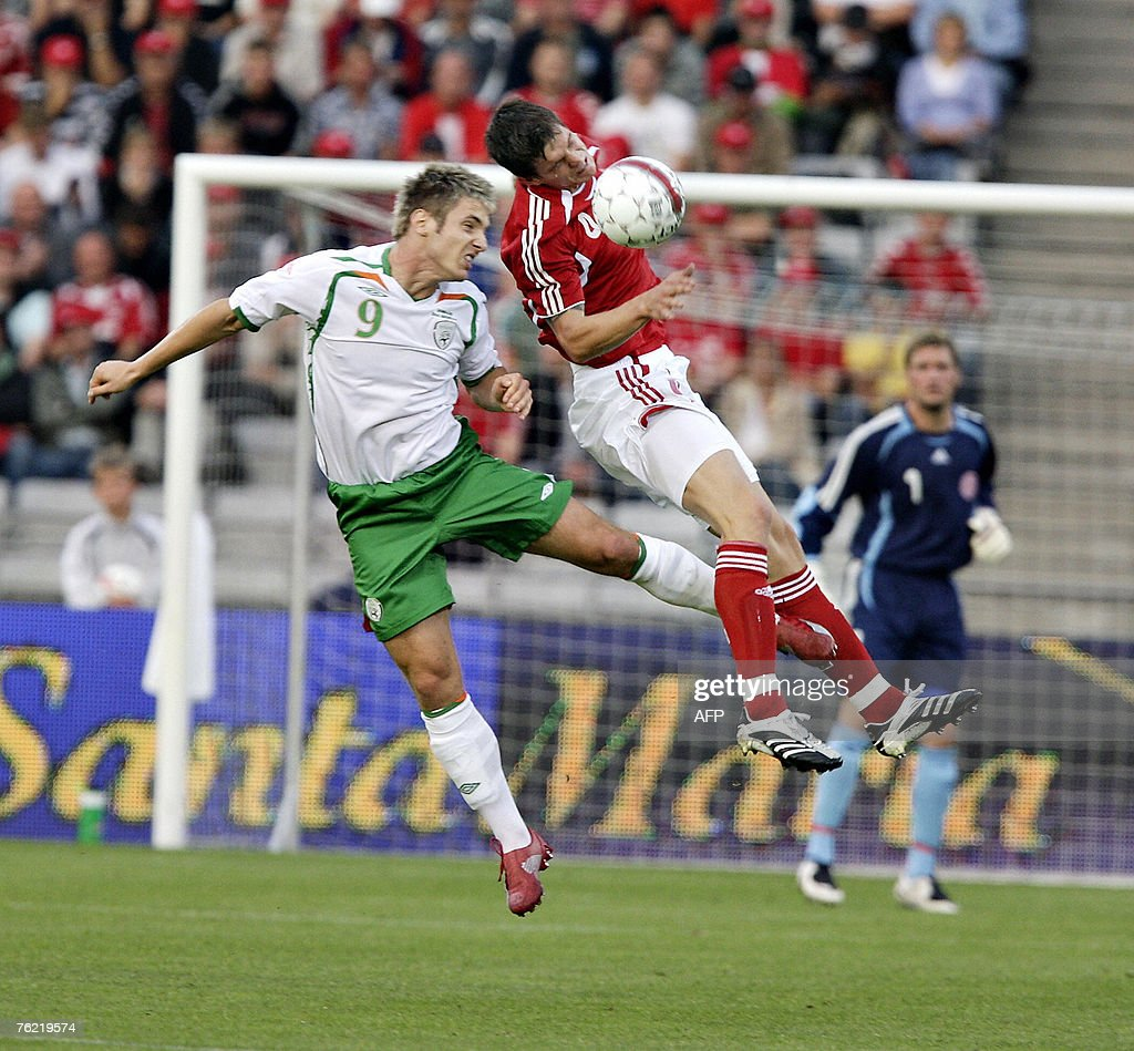 Denmark's Daniel Agger (R) vies in front of the Danish goal against Ireland's Kevin Doyle in the friendly football match 22 August, 2007 in Aarhus, 200 kilometres west of Copenhagen. AFP PHOTO / Claus Fisker/ Scanpix Denmark