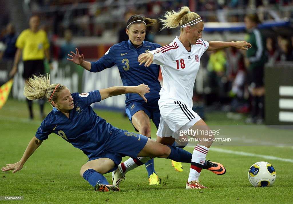 Denmark's defender Theresa Nielsen vies with France's forward Eugenie Le Sommer (L) and defender Laure Boulleau during an UEFA Women's European Championship Euro 2013 quarter final football match France vs Denmark on July 22, 2013 in Linkoping, Sweden. AFP PHOTO/JONATHAN NACKSTRAND