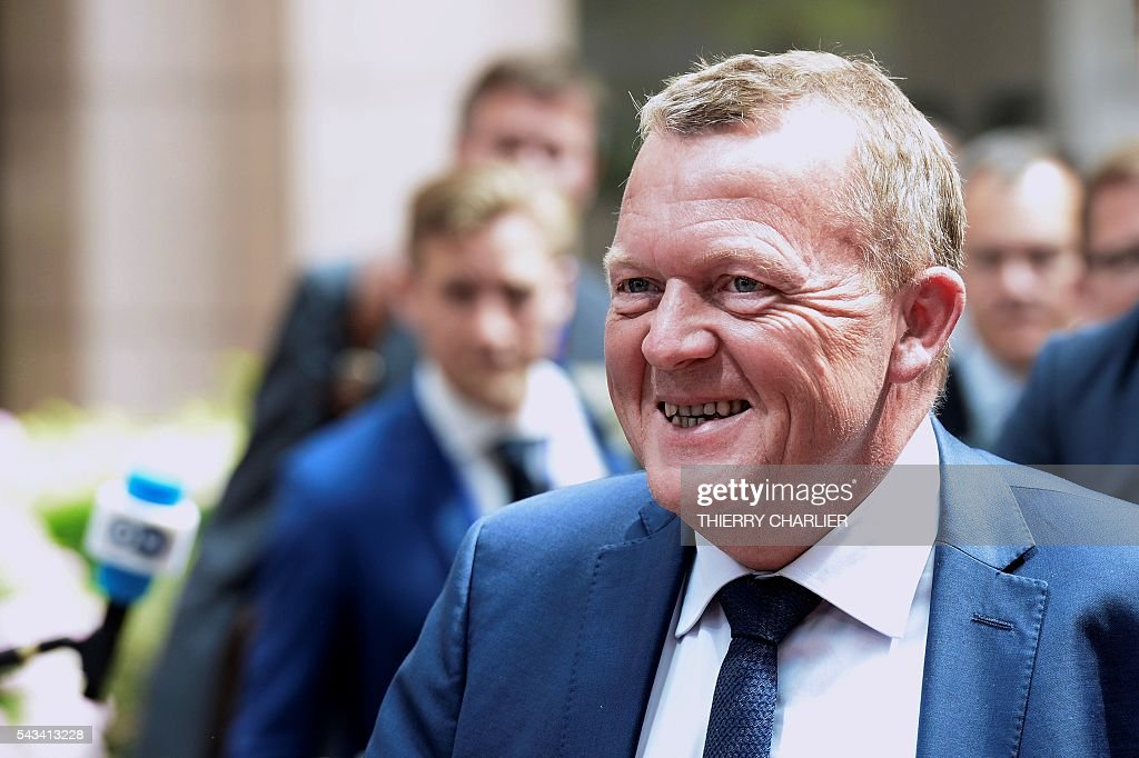 Denmark's Prime minister Lars Lokke Rasmussen arrives before an EU summit meeting on June 28, 2016 at the European Union headquarters in Brussels. / AFP / THIERRY