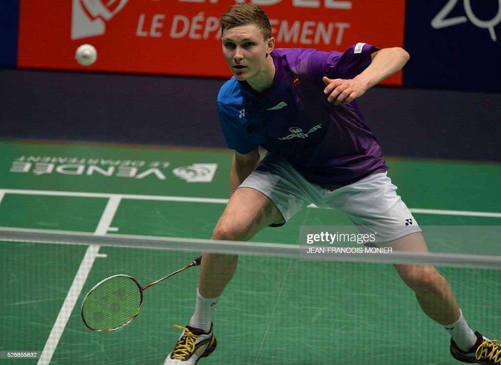 Denmark's Viktor Axelsen returns the ball to Denmark's Jan O Jorgensen during their 2016 European Championships Badminton simple men's final match, on May 1, 2016 in Mouilleron-le-Captif, western France. / AFP / JEAN
