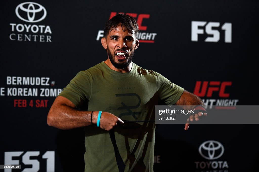 Dennis Bermudez holds an open workout for fans and media at Henke & Pillot on February 2, 2017 in Houston, Texas.