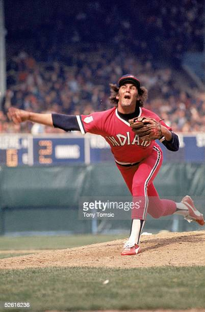 Dennis Eckersley of the Cleveland Indians pitches during a 1976 season game Dennis Eckersley played for the Cleveland Indians from 19751977