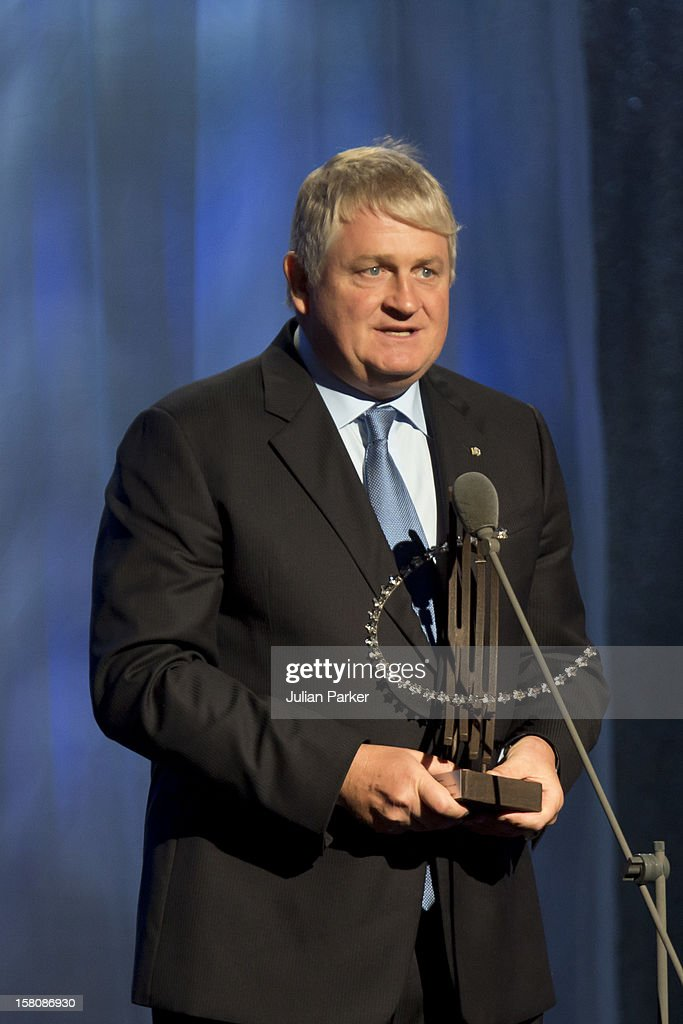 Dennis O'Brien Receives A Leadership In The Corporate Sector Award At The Clinton Global Initiative, At The Sheraton Hotel And Towers In New York, Usa. .