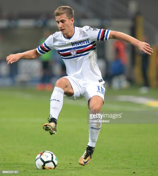 Dennis Praet of UC Sampdoria in action during the Serie A match between FC Internazionale and UC Sampdoria at Stadio Giuseppe Meazza on October 24...